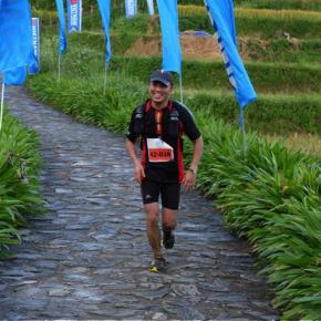 Tác giả trên đường chạy Vietnam Mountain Marathon. Luong Pham