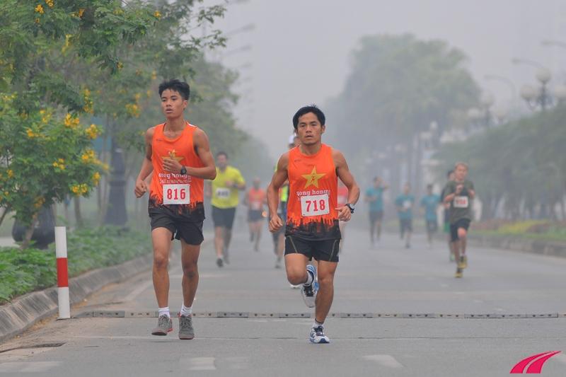 Anh Cuong Doan Nguyen lần thứ hai chạy giải Sông Hồng. Trước giải không lâu anh vừa hoàn thành giải Bangkok Standard Chatered Marathon