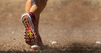 Có nên mang giày ra chạy ở mọi địa hình