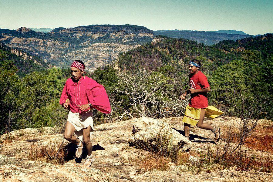 chihuahua-tarahumara-runners-900x900