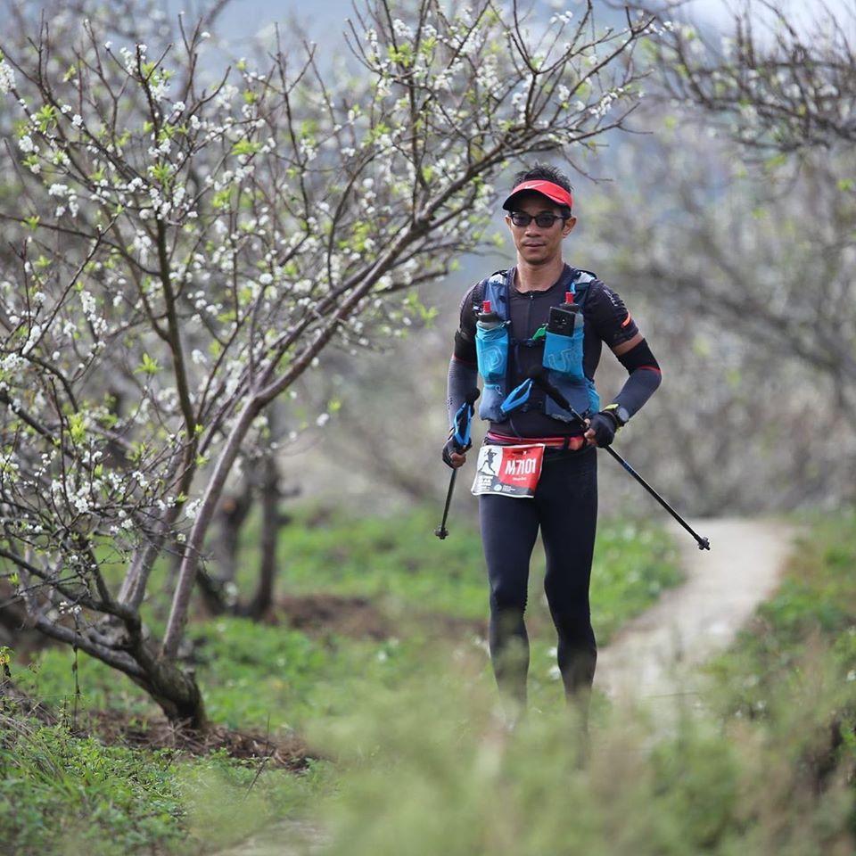 Bác sỹ Vũ Nhật Khang ở giải Ironman 70.3 Đà Nẵng. Ảnh: NVCC