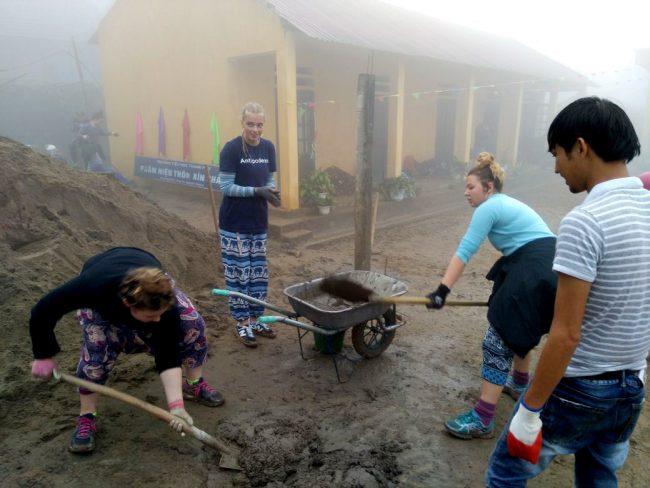 Dự án cải tạo sân trường học
