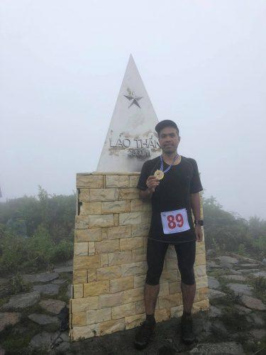 Tác giả trong một sự kiện chạy leo núi Lảo Thẩn